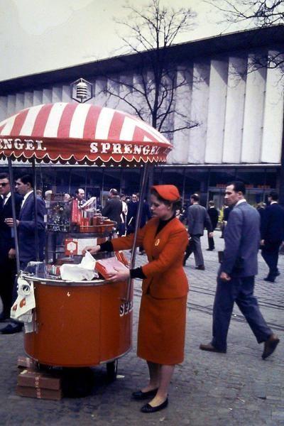 HANNOVER Die 60er Jahre: Hannover Messe mit Sprengel Stand.