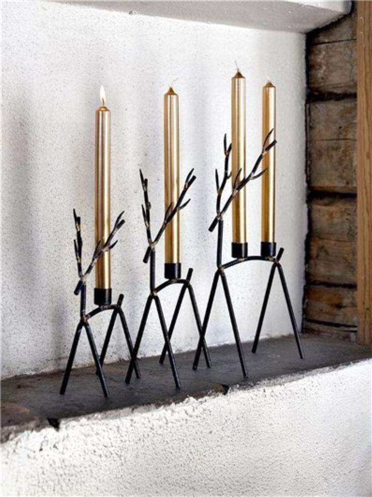 Velas navideñas doradas que decoran tu hogar de manera fácil y rapida