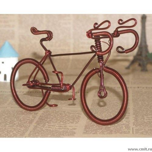 Велосипед из медной проволоки, высота около 8 см