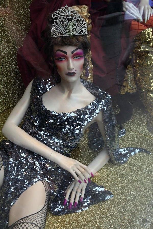 Illamascua makeup fashion beauty power beautiful