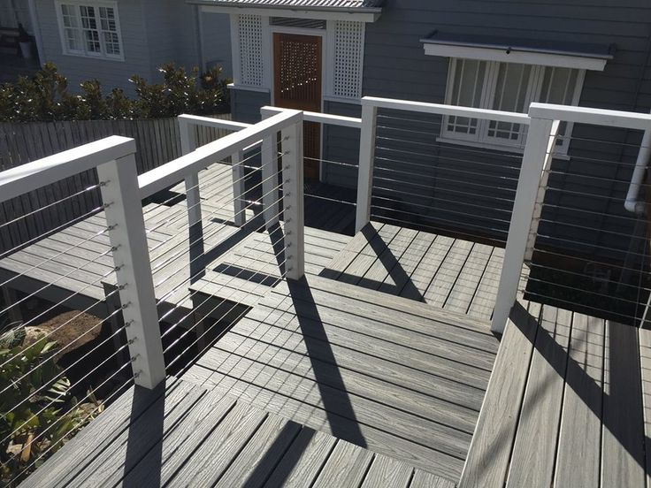 What a way to enter the house and add the all important street appeal! Platform walk way in Trex composite decking by allwedoisdecks.com.au