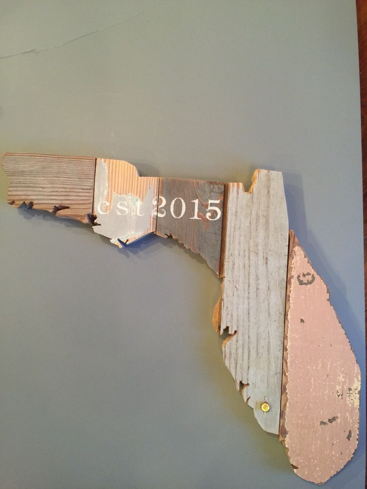 Customizable Wooden State Sign - Hand Painted on Reclaimed Wood - Country Chic Decor - Florida by MoonshineAndMimosas on Etsy https://www.etsy.com/listing/215971721/customizable-wooden-state-sign-hand