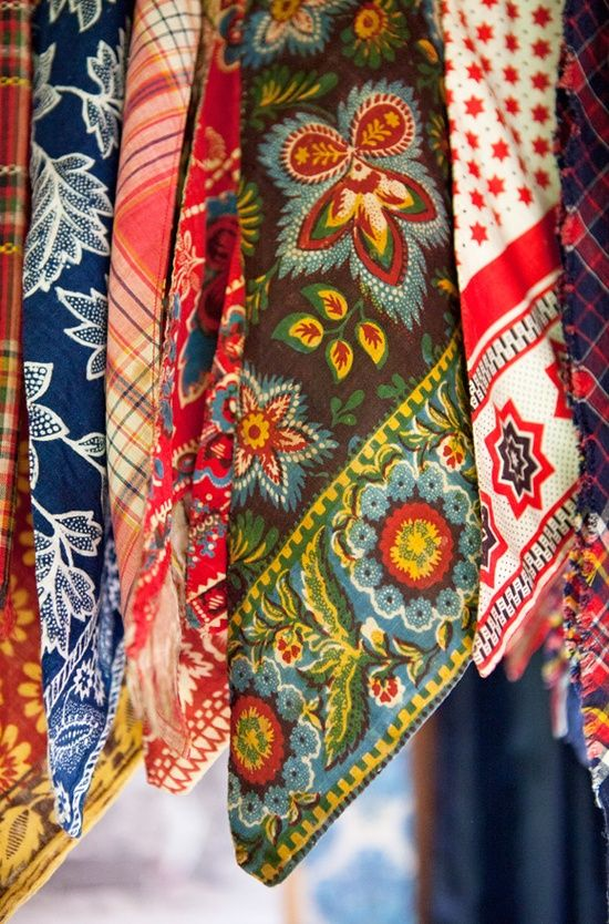 garoopatternandcolour: Printed cotton neckerchief is an important part of folk costumes. photo: Laila Duran.©
