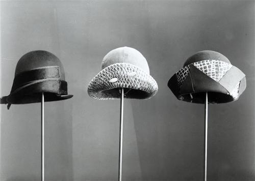 1935    by Wanda Wulz