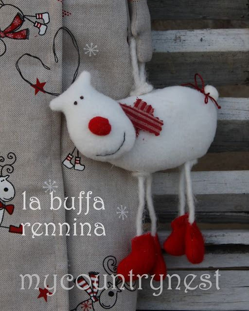 My country nest: Una buffa amica per Grethe. Silly fabric reindeer.