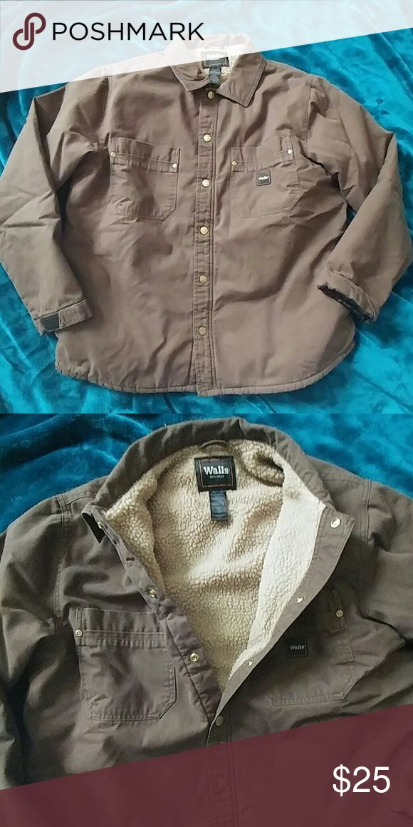🎁Mens brown button down jacket🎄 Brown button up jacket coat with fuzzy warm lining. From walls workwear. Mens size Large. Walls Jackets & Coats