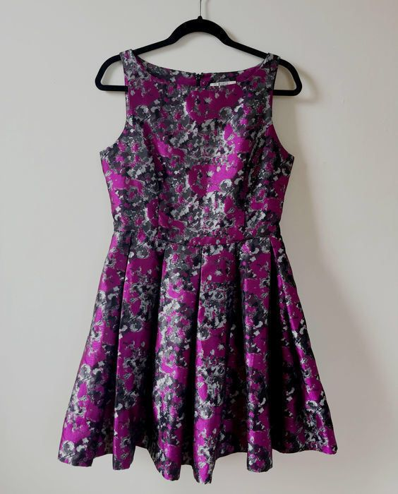 My BB Dakota Floral Cocktail Dress Size 10 by BB Dakota! Size 10 / M for $$50.00. Check it out: http://www.vinted.com/womens-clothing/party-and-cocktail-dresses/20878003-bb-dakota-floral-cocktail-dress-size-10.