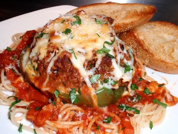 Google Image Result for http://www.mamas-southern-cooking.com/images/lasagna-stuffed-peppers-0.jpg