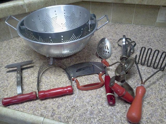 470 best Old Kitchen Gadgets images on Pinterest | Kitchen gadgets ...