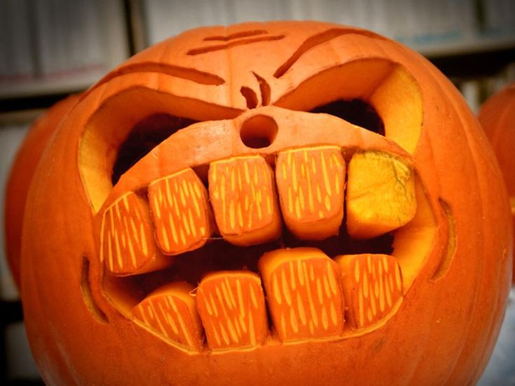 22 Traditional Pumpkin Carving Ideas   DIY Home Decor and Decorating Ideas   DIY