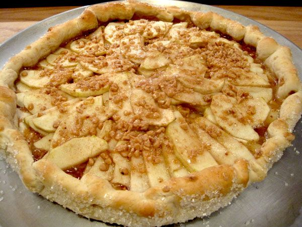 Combine the healthy side of apples and the sweetness of toffee in this Toffee Apple Tart.