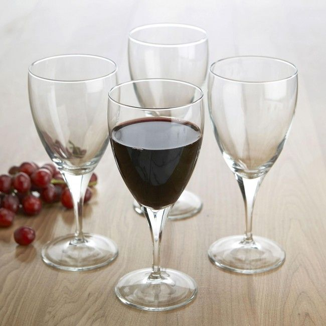 Entertain in style with this set of 4 elegant 370ml wine goblets.