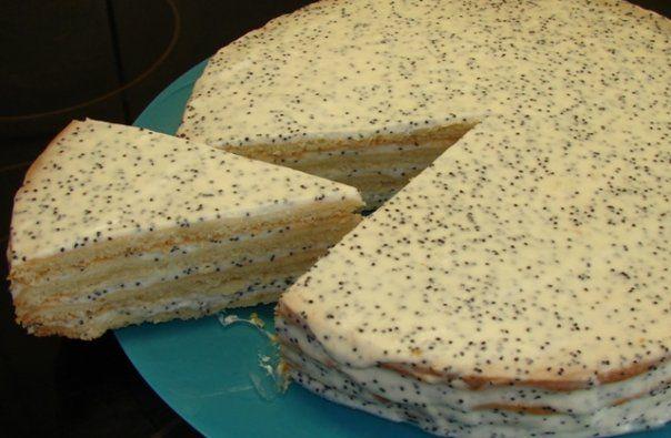 Sour cream cake.