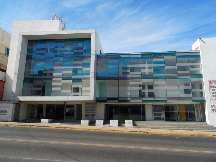 8 melhores imagens sobre fachadas centro comercial no for Fachadas modernas para oficinas