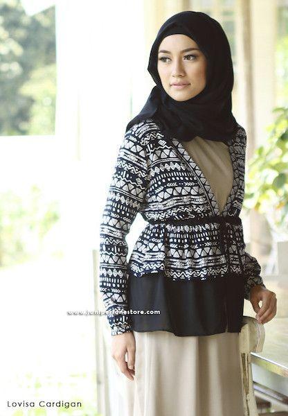 Lovisa Cardigan - Klik gambar untuk melihat detail dan harga produk Juniperlane di website zilbab.com. Hijab, Jilbab, Fashion Hijab, Juniperlane Hijab, Hijabi, Juniper Hijab, Juniper Lane.