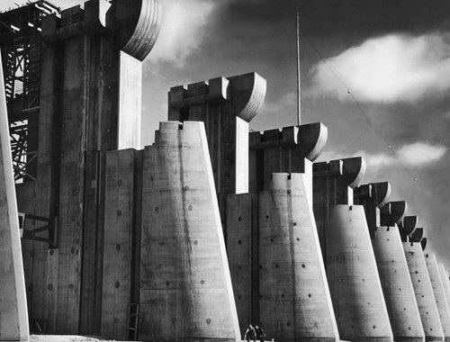 d-y-s-topia:      Fort Peck Dam, 1936 (photo by Margaret Bourke-White)
