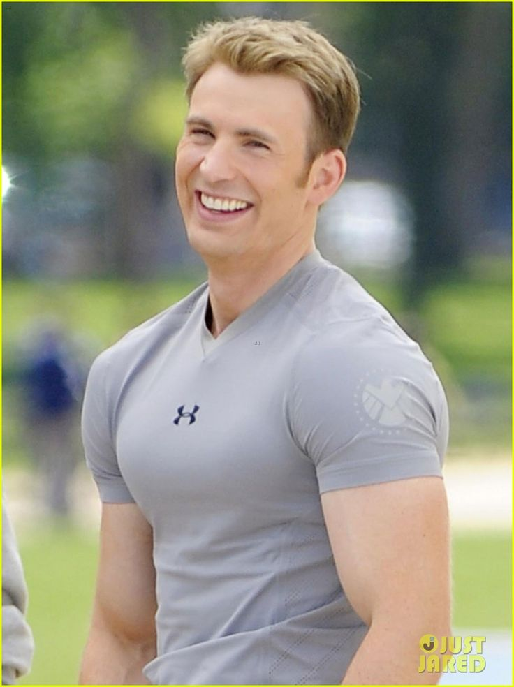 captain america the winter soldier chris evans photos | ... Captain America: The Winter Soldier on Tuesday (May 14) in Washington
