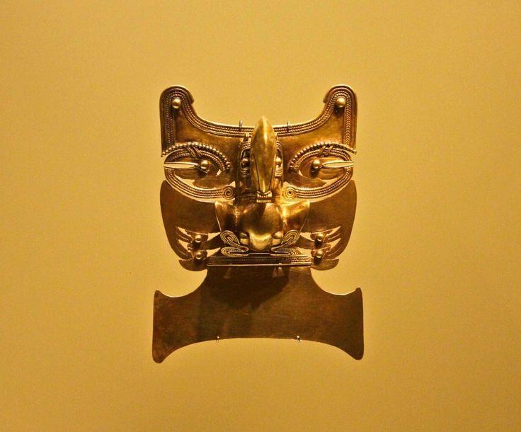 Pre-hispanic gold kept and exhibited in El Museo del Oro, Bogotá 4
