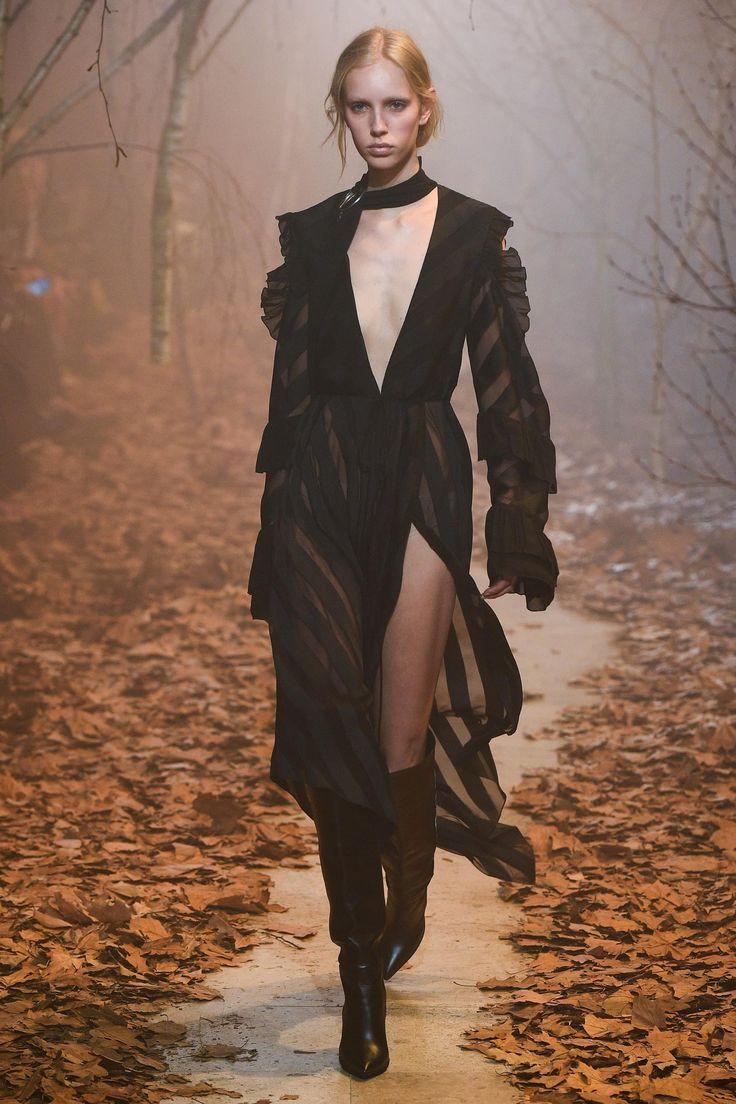 Défilé Off-White prêt-à-porter femme automne-hiver 2017-2018 23
