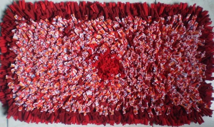 """Tapete """"Rouge 3"""" cubierta o adorno para mesa/mueble en diferentes tonos de rojos y estampado (rojo, naranja, blanco, bordó y celeste)  Medidas: 60cm x 30cm"""