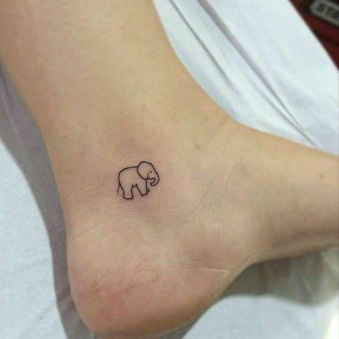 Tatuajes pequeños para mujeres Elefante