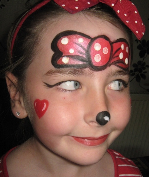 the 25 best minnie mouse face painting ideas on pinterest. Black Bedroom Furniture Sets. Home Design Ideas