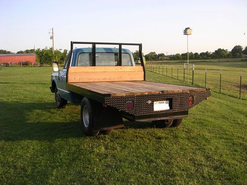 1968 chevy 1 ton flatbed semi restored lots of new looks good, image 2