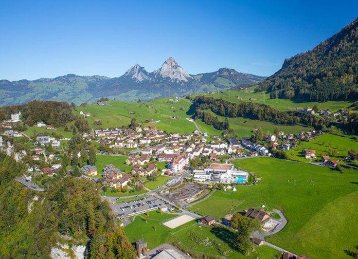 Passez des jours reposants au plus grand complexe de vacances et détente de Suisse.  Avec cet offre vous passez des nuitées au Swiss Holiday Park. Le prix à partir de 265.- comprend le petit-déjeuner et l'entrée à l'espace bien-être et le parc aquatique.  Réserve ici ces vacances: http://www.besoin-de-vacances.ch/vacances-de-detente-a-morschach-2-265/
