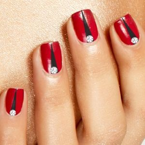 20 Dazzling Nail Art Designs with Black Nail Polish: Red with Black Triangles Nail Art