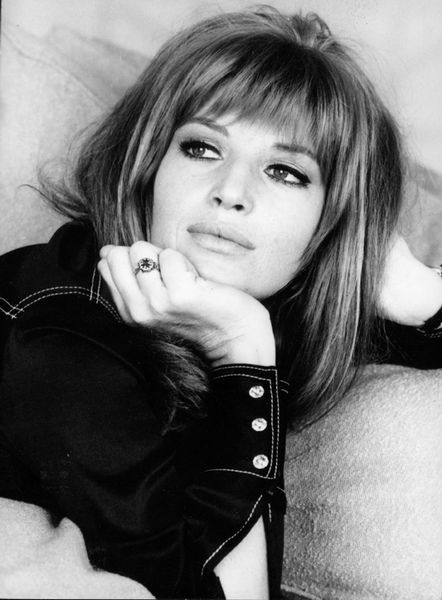 Perfect 60's bangs on Monica Vitti