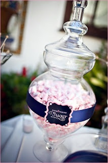candy table - i like the label cut