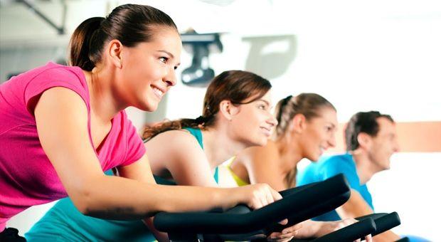 Amigas todas sabemos que el ejercicio nos mantiene saludables y con el peso controlado, pero ¿sabían que ayuda a prevenir el estrés y la ansiedad?