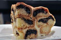 Песочный торт с черносливом и миндалем.