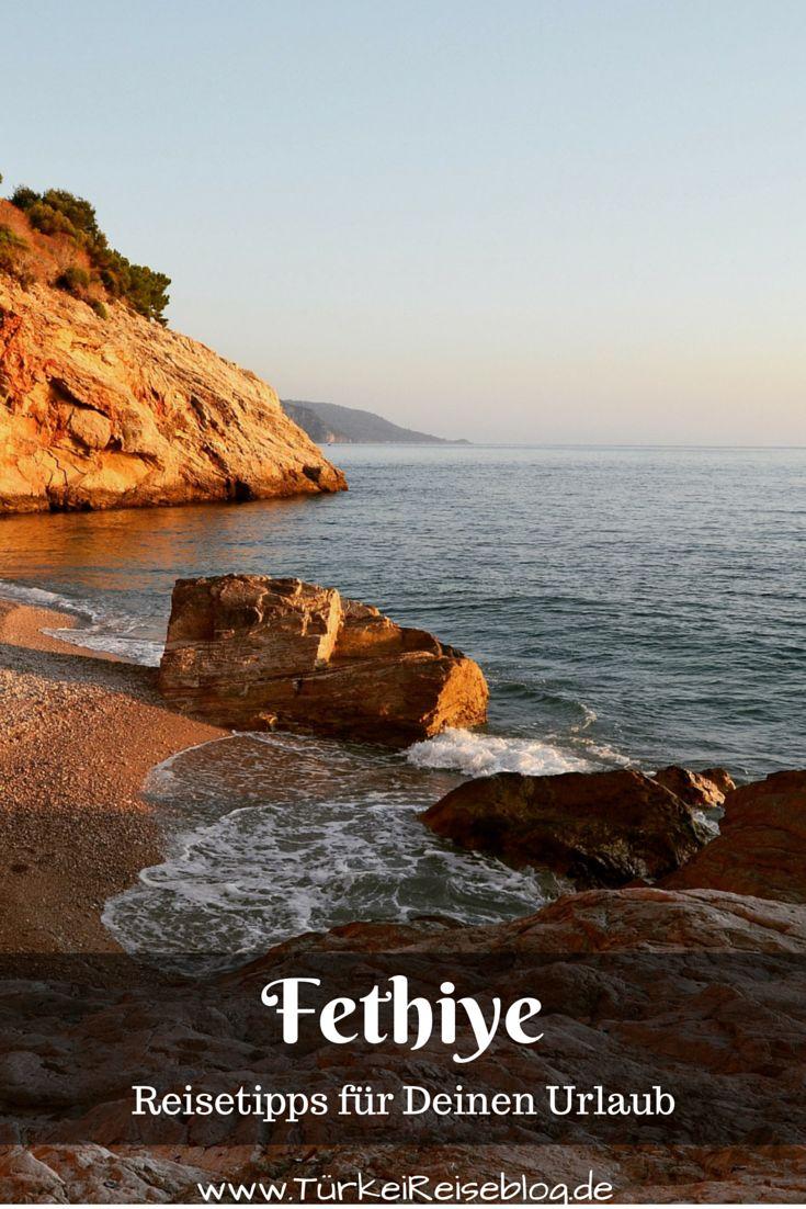 Fethye ist einer der bekanntesten Touristenorte an der Südküste der Türkei. Der in der Provinz Mugla gelegene Ferienort bietet mit seinen langen Sandstränden und den antiken Ruinen in seiner nahen Umgebung eine wunderabare Urlaubskulisse um einen Urlaub am Meer zusammen mit abwechslungsreichen Ausflügen ins Umland zu erleben! Meine Tipps zu Fethyie: http://www.tuerkeireiseblog.de/lykische-kueste/fethiye/
