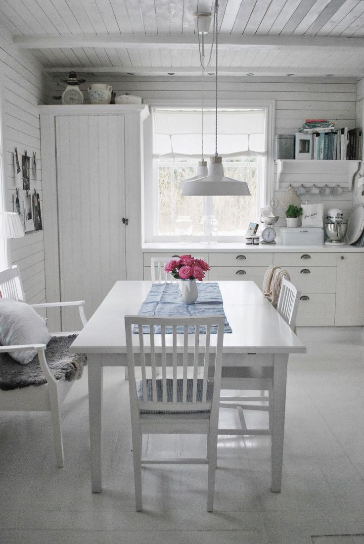 Julia's White Dreams: Kitchen