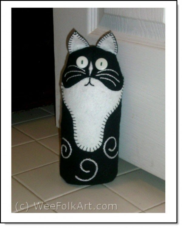 Cat Door-stop : The tutorial is excellent without a step being missed to make this project understandable and professional.
