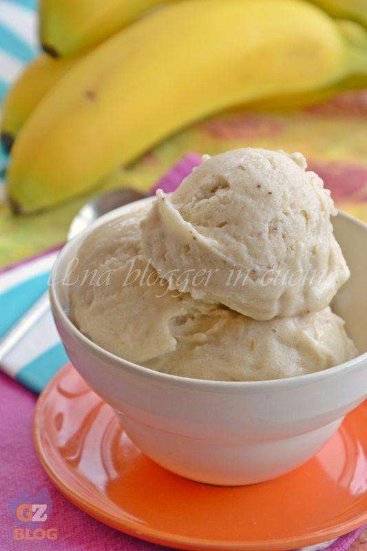 Gelato alla banana, senza gelatiera con solo un ingrediente