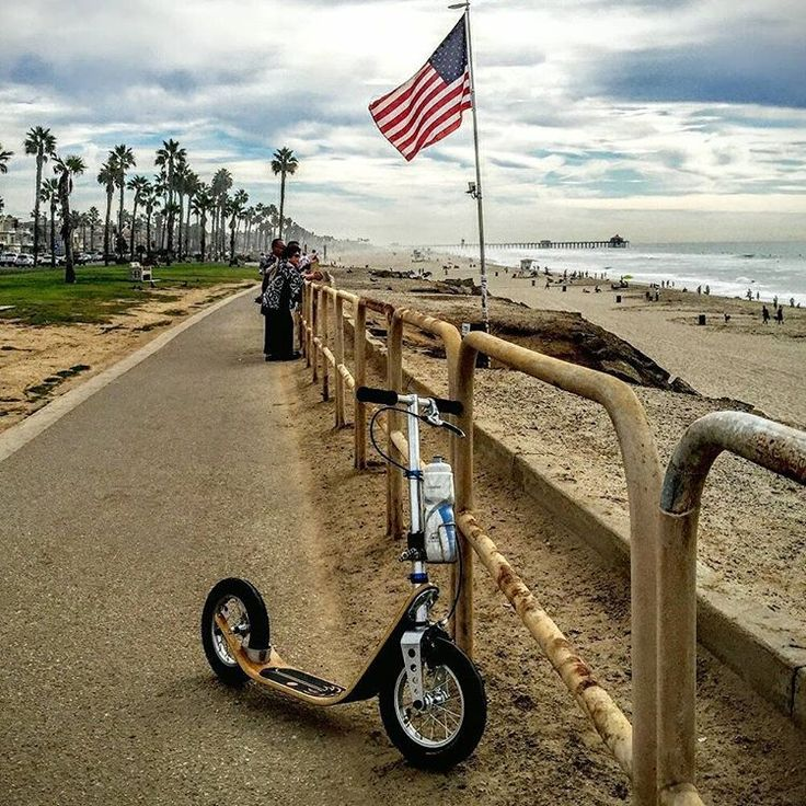 Our first Boardy in Long Beach, California. Perfect scooter for a nice sunset ride on the Pacific Bikeway ️ #boardyonboard #boardy #kickscooter #kickbike #roller #tretroller #kolobezka #footbike #pushbike #adultscooter #trottinette #getfit #fitness #patinete #design #explore #california #longbeach #la #usa #pictureoftheday