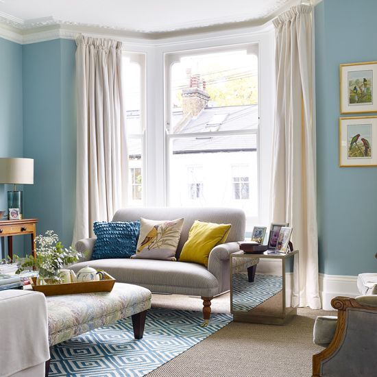 Victorian Room Colors: Traditional Living Room With Vivid Blue Walls