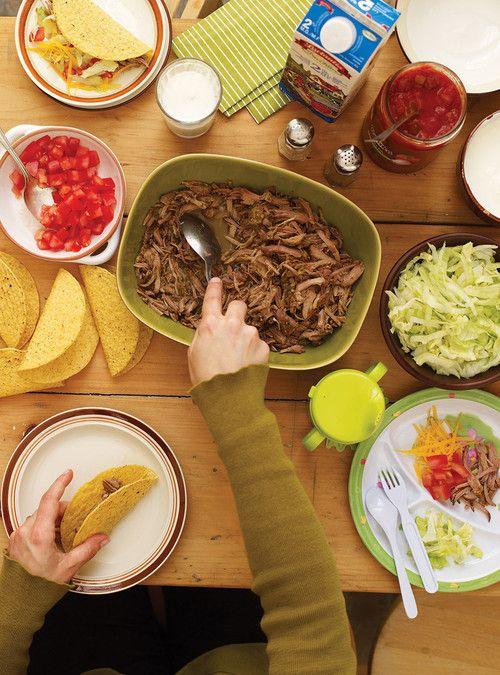 Tacos de porc à la salsa verde - savoureux pour très peu d'ingrédients! Ça chance des tacos traditionnels