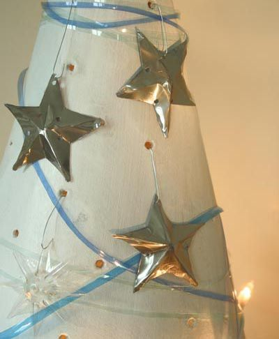 Christmas stars made with cans
