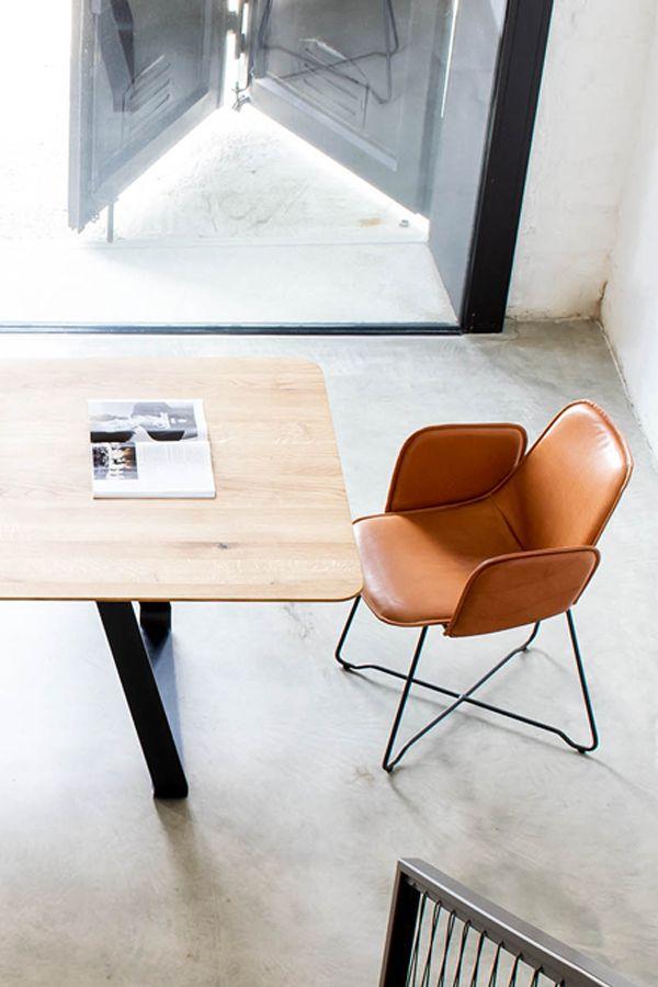 Lederstuhl Like Design Armlehnstuhl Aus Leder Wird Aus Bestem Leder Rohstahl Gefertigt Unterschiedlichste Lederfarb Lederstuhle Stuhl Mit Armlehne Stuhle