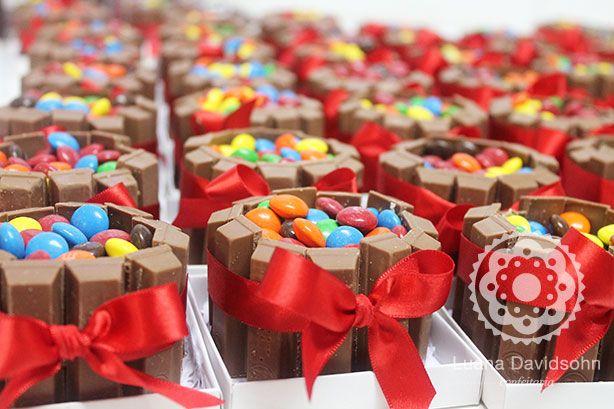 Mini Bolo Kit Kat e Confetes « Confeitaria da Luana