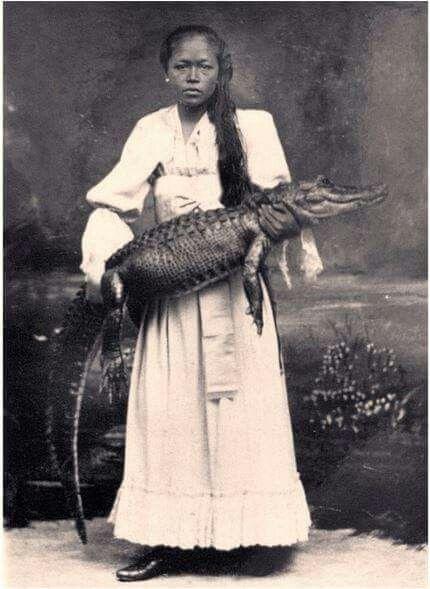 Sutirah, pawang buaya dari Jawa 1863