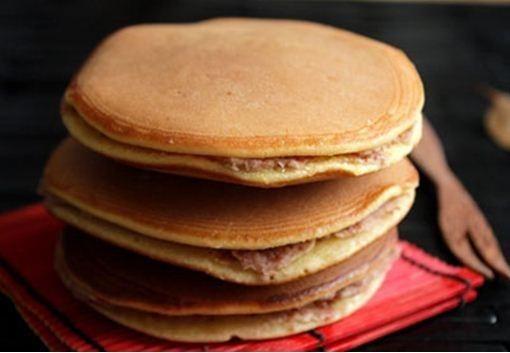 Cách làm bánh rán Doremon nhân đậu đỏ ngon tuyệt - http://congthucmonngon.com/78810/cach-lam-banh-ran-doremon-nhan-dau-do-ngon-tuyet.html
