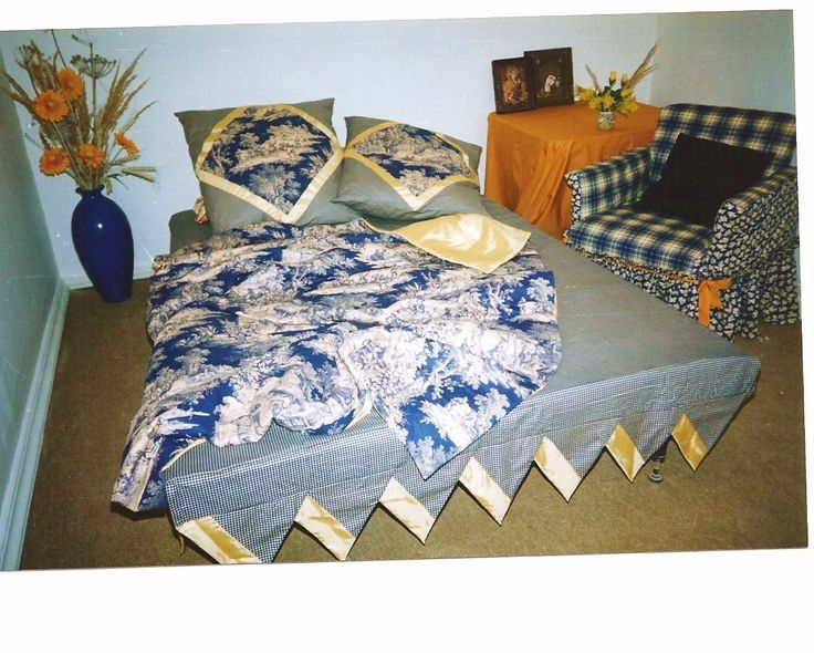 Collezione di biancheria da letto.autore M S 1997
