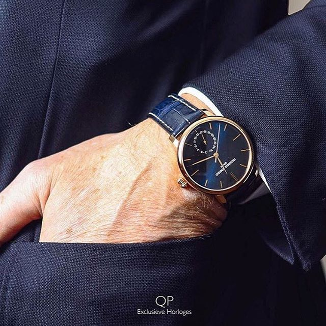 Classical and Elegant, the Frederique Constant Manufacture Slimline Moonphase is also available in Amsterdam at @qp_exclusieve_horloges #FrederiqueConstant #FCpeople #manufacture #slimline #moonphase #qpexclusievehorloges #amsterdam #travel #official #retailer #paysbas #blue #watchporn #instawatch #beautiful #amazing #swissmade #inhouse #develop #suit #tie #business #watchmaker #geneva #switzerland