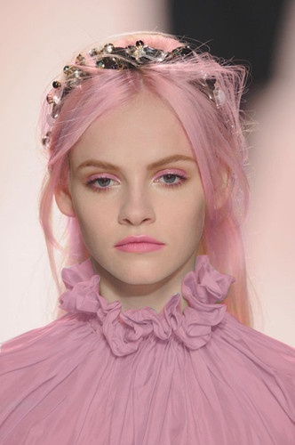 Pastel Hair and Makeup - Would you dye your hair this colour?