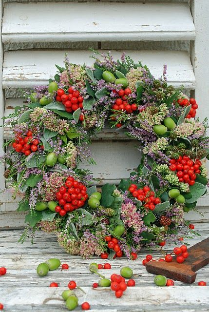 One of the most beautiful natural Christmas wreaths I've ever seen