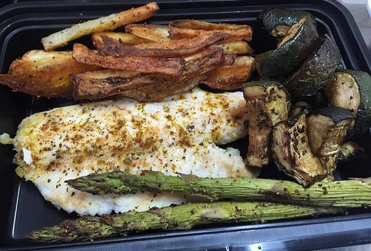 By @chefbrothers305 via @RepostWhiz app: Fish and chips anyone Exclusive Meal Plan Service  Miami Based  chefbrothers305@gmail.com http://www.chefbrothers305.com #mealPrepSunday #ChefBrothers305 #chefbrisfit #food #protein #carbs #veggies #foodlife #chicken #fish #turkey #asparagus #peppers #garlic #mrsdash #brickell #foodporn #downtownCatering  #brickellCatering #miamiCatering #catering @chefbrothers305 @chefbrothers305 #foodPorn #fitFood by seymouresults_fit